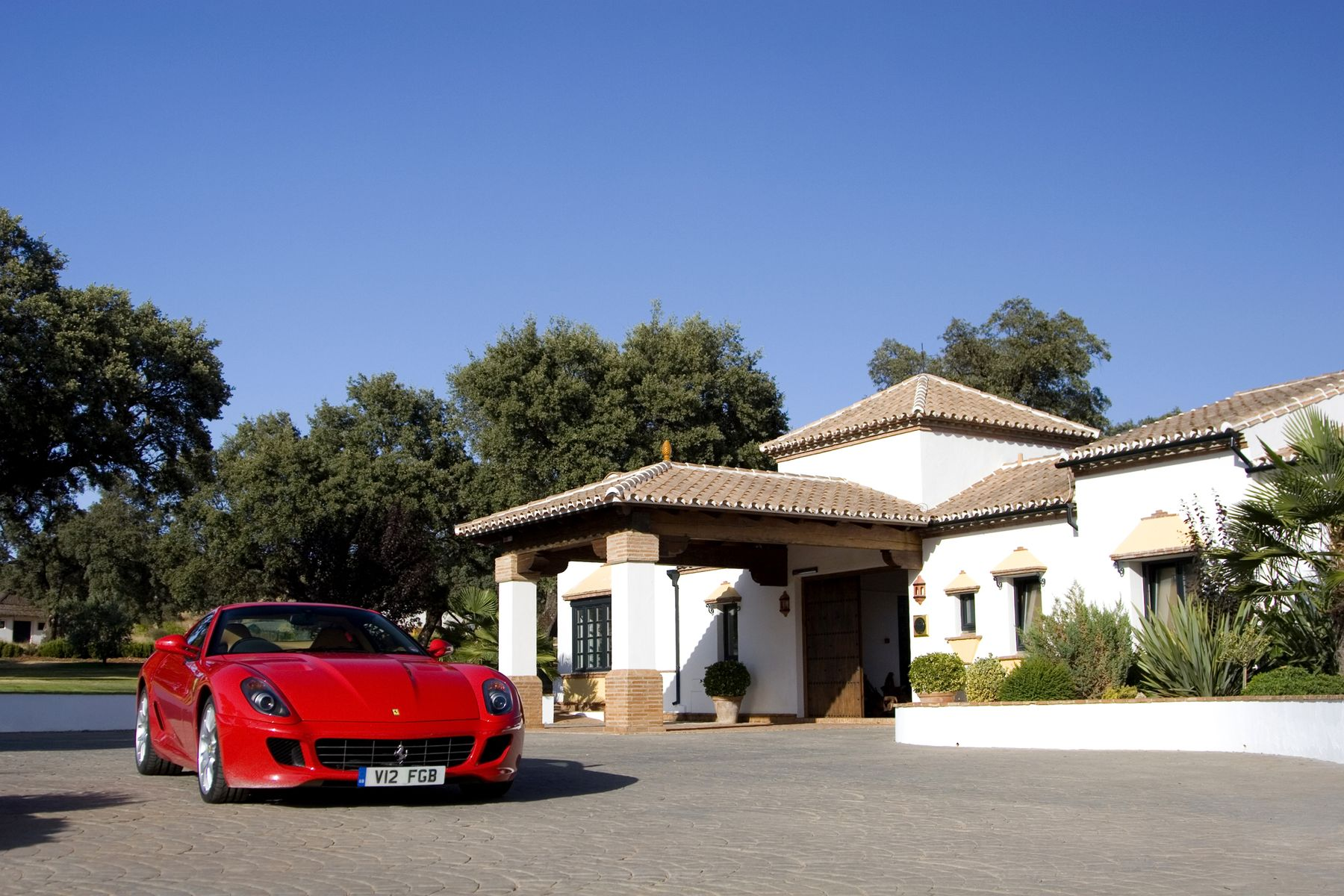 Ascari Race Track Provides The Ultimate Motorsport Lover Experience to Last a Lifetime
