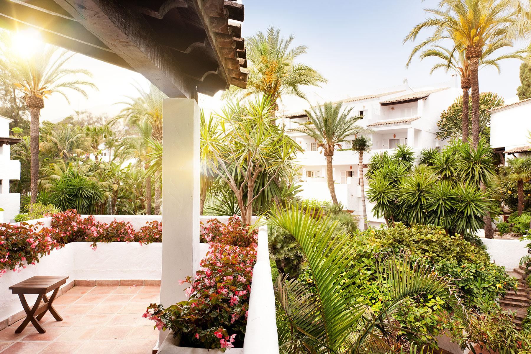 Magical Tropical Gardens Puente Romano