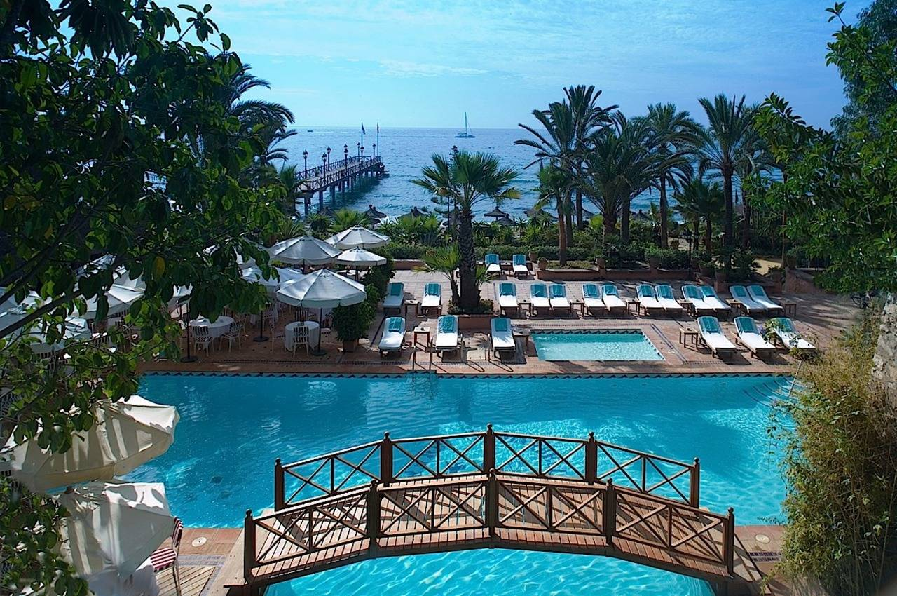 10 reasons why marbella club is the most famous five star for Five star luxury hotel