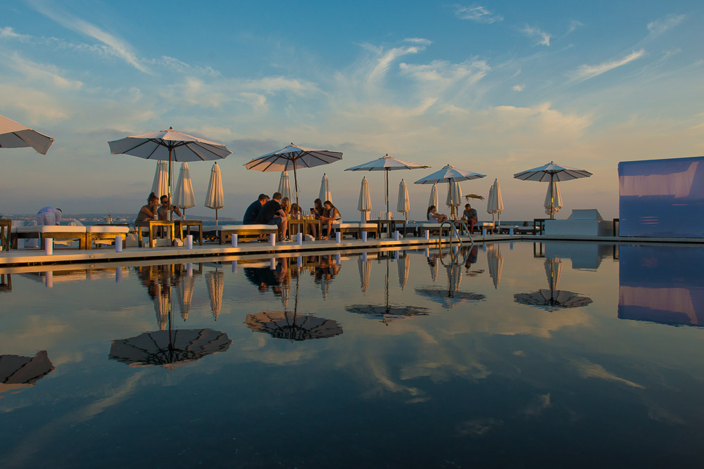 The 10 Best Beach Clubs in Spain, From Amazing Sunsets to Molecular Gastronomy